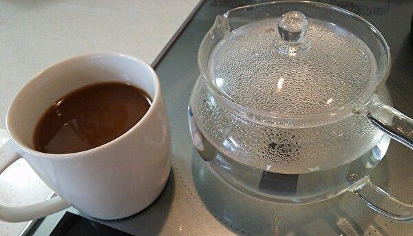 鉄鍋で沸かした湯とコーヒー